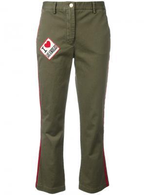 Укороченные брюки с заплатками History Repeats. Цвет: зелёный
