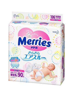Подгузники для новорожденных,  5кг, 90шт MERRIES. Цвет: белый