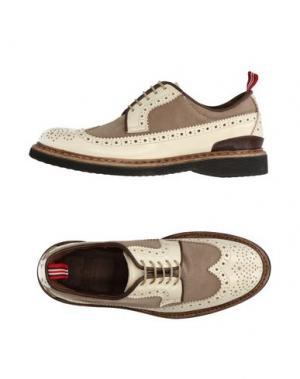Обувь на шнурках GREEN GEORGE. Цвет: бежевый