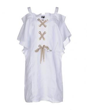 Короткое платье WALTER VOULAZ. Цвет: белый