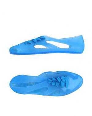 Низкие кеды и кроссовки F-TROUPE. Цвет: лазурный