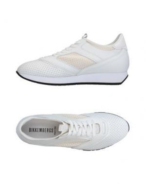 Низкие кеды и кроссовки BIKKEMBERGS. Цвет: белый