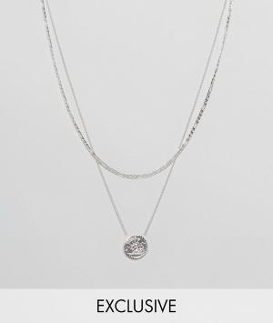 Chained & Able Серебристое многоярусное ожерелье с подвеской-медальоном Abl. Цвет: серебряный