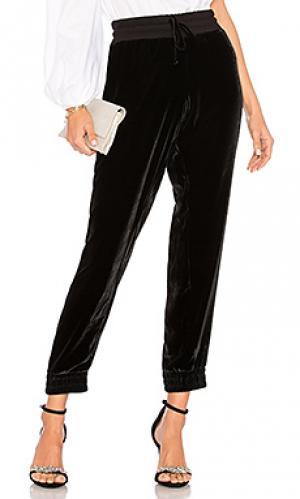 Спортивные брюки velvet MONROW. Цвет: черный