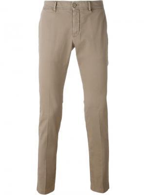 Классические брюки-чинос Moncler. Цвет: телесный