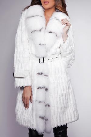 Пальто Giorgio. Цвет: белый