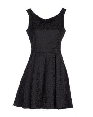 Короткое платье BOURNE. Цвет: черный
