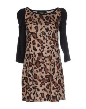 Короткое платье MINA. Цвет: коричневый