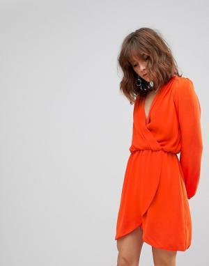 Love Платье с длинными рукавами и запахом. Цвет: оранжевый