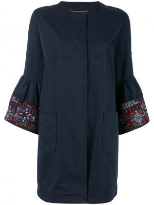 Пальто с вышивкой на рукавах Bazar Deluxe. Цвет: синий