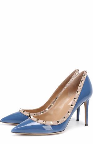Лаковые туфли Rockstud на шпильке Valentino. Цвет: синий