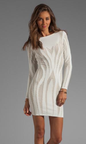 Платье cutout illusion из жаккардовой ткани с длинным рукавом RVN. Цвет: кремовый