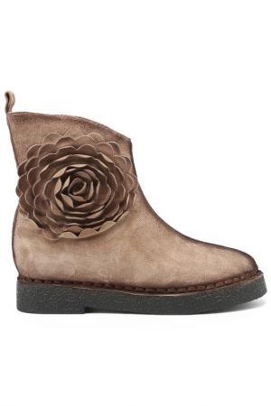 Ботинки Melani. Цвет: бежевый