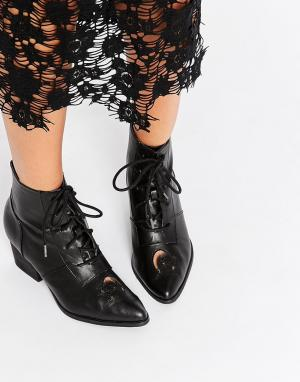 YRU Aura Western Lace Up Heeled Ankle Boots. Цвет: черный