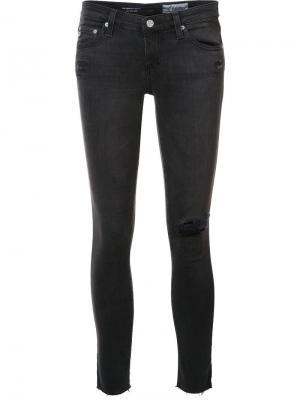 Укороченные джинсы с рваной деталью Ag Jeans. Цвет: серый