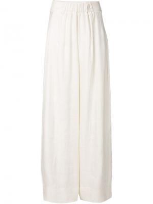 Шелковые брюки Urban Zen. Цвет: белый