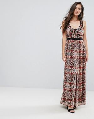 BCBG MaxAzria Платье макси с цветочным принтом. Цвет: мульти