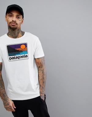 Patagonia Белая облегающая футболка с логотипом Up & Out. Цвет: белый