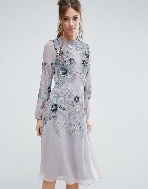 Frock and Frill Приталенное платье миди с высокой горловиной и отделкой Fril. Цвет: синий