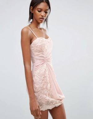 Jasmine Платье с цветочной отделкой и сборкой сбоку. Цвет: розовый