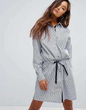 Gestuz Полосатое платье-рубашка с поясом-завязкой Winnie. Цвет: синий
