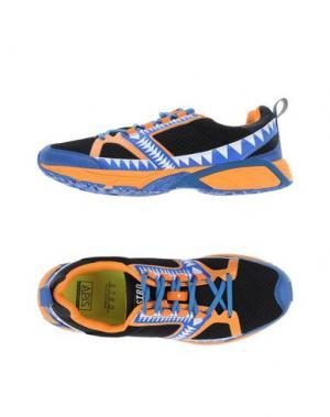 Низкие кеды и кроссовки STRD BY VOLTA FOOTWEAR. Цвет: оранжевый