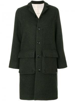 Пальто с карманами-карго Toogood. Цвет: зелёный