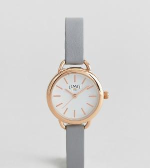 Limit Часы с серым ремешком из искусственной кожи эксклюзивно для ASOS. Цвет: серый
