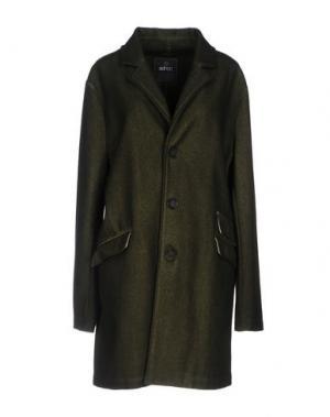 Пальто ADHOC. Цвет: зеленый