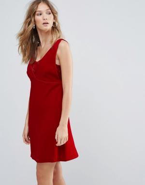 Deby Debo Платье мини с V-образным вырезом Ezra. Цвет: красный