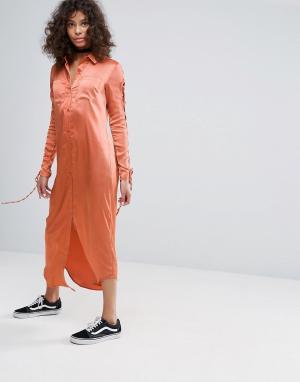 Glamorous Платье-рубашка со шнуровкой на рукавах. Цвет: коричневый