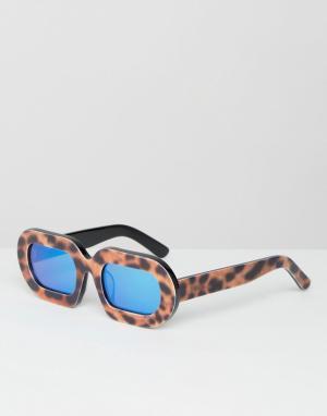 House of Holland Солнцезащитные очки в леопардовой оправе с синими зеркальными стеклами. Цвет: коричневый