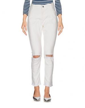Джинсовые брюки VICOLO. Цвет: белый
