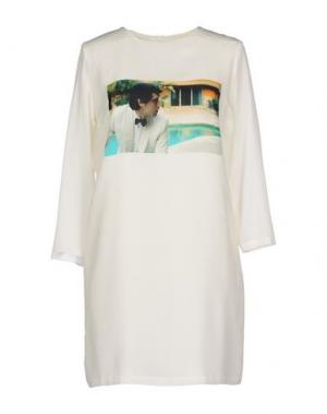 Короткое платье LES PRAIRIES DE PARIS. Цвет: белый
