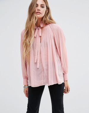 Glamorous Плиссированная блузка с длинными рукавами и завязкой у горловины Glamo. Цвет: розовый