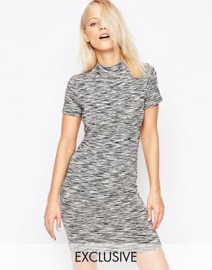 Chorus Меланжевое платье с высокой горловиной. Цвет: серый