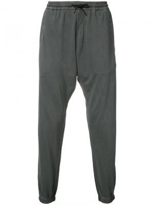 Спортивные брюки Maharishi. Цвет: серый