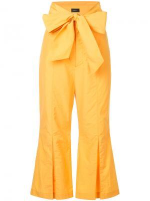 Укороченные брюки с широким поясом G.V.G.V.. Цвет: жёлтый и оранжевый