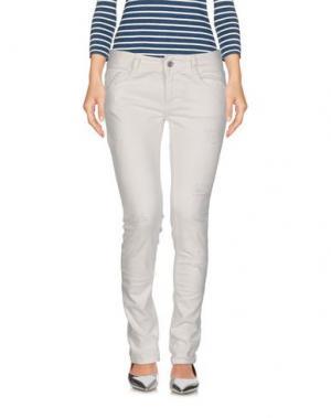 Джинсовые брюки SHIKI. Цвет: белый