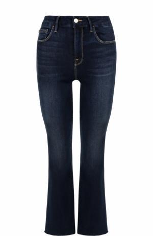 Укороченные расклешенные джинсы с потертостями Frame Denim. Цвет: синий
