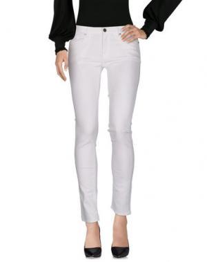 Повседневные брюки MALÌPARMI M.U.S.T.. Цвет: белый