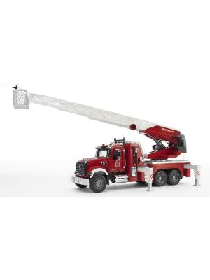Пожарная машина MACK с выдвижной лестницей и помпой модулем со световыми звуковыми эффектами Bruder. Цвет: красный, серый