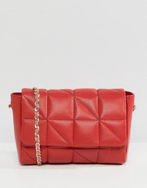 ASOS Кожаная стеганая сумка через плечо с ремешком-цепочкой. Цвет: красный