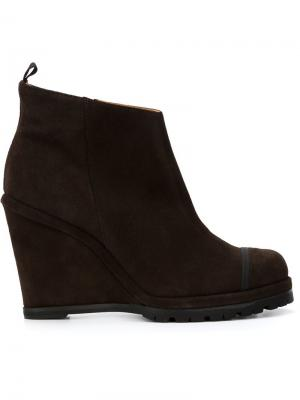 Ботинки на танкетке Chuckies New York. Цвет: коричневый