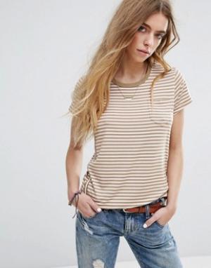 Maison Scotch Узкая футболка с круглым вырезом и карманом на груди. Цвет: мульти