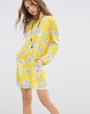 Honey Punch Свободное платье с цветочным принтом. Цвет: желтый