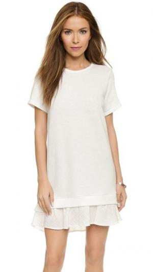 Платье-толстовка с короткими рукавами и оборками Clu. Цвет: слоновая кость/белый