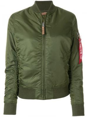 Куртка-бомбер Alpha Industries. Цвет: зелёный