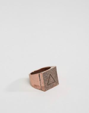 Icon Brand Медное кольцо с квадратной печаткой. Цвет: золотой