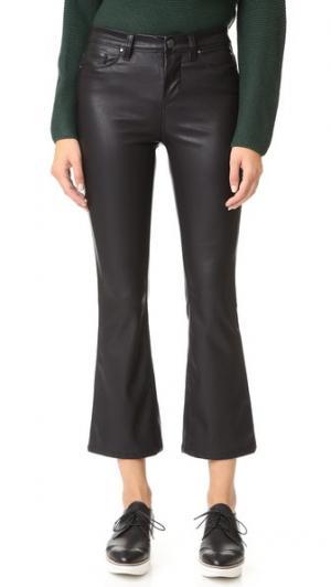 Расклешенные брюки Crop Kick из искусственной кожи Blank Denim. Цвет: голубой